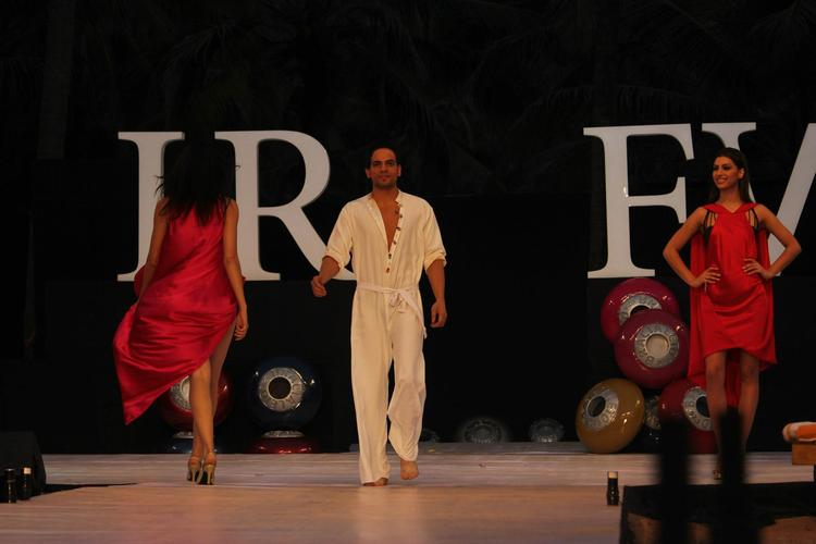 A Model In White Dress For James Ferreira At IRFW 2012 In Goa