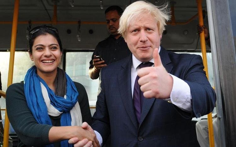 Kajol And Boris Johnson Smiling Still On The VIP Bus