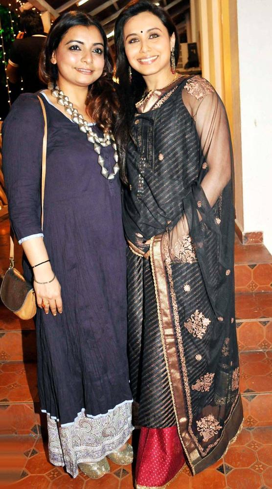 Vaibhavi And Rani Posed For Photo At Mushtaq Sheikhs Niece Aqeeqah Function