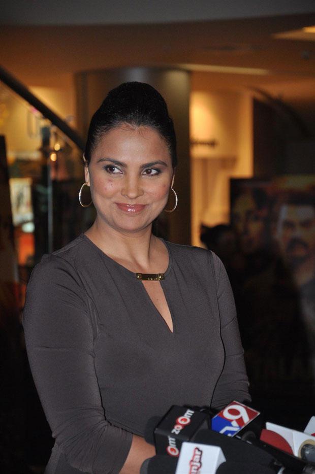 Lara Dutta Cute Smiling Still At Talaash Premiere Show