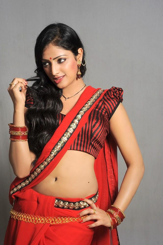 Haripriya Sexy Navel Expose Hot Still From Abbai Class-Ammayi Mass Movie