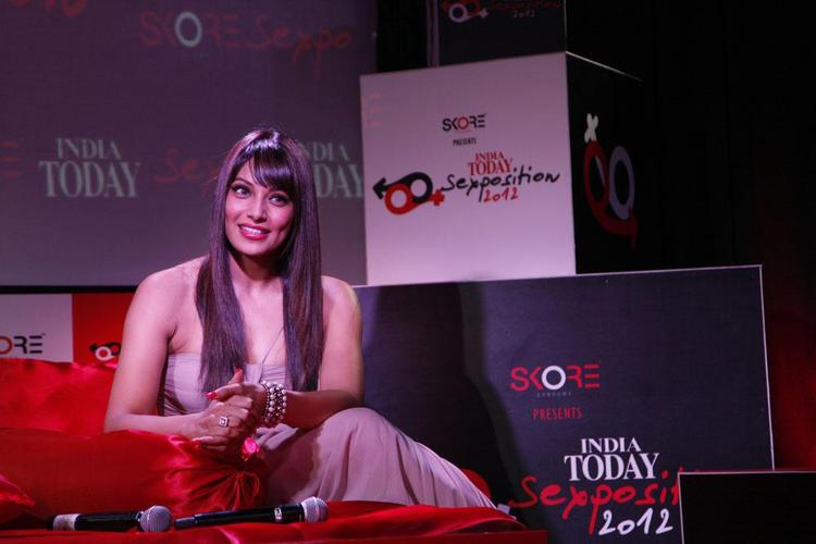 Bipasha Basu Nice Pose At 10th Anniversary Of The India Today Sex Survey
