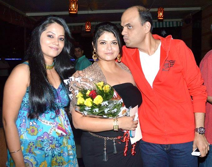 Pragati Mehra Poses With Other Guests At Her Birthday Bash