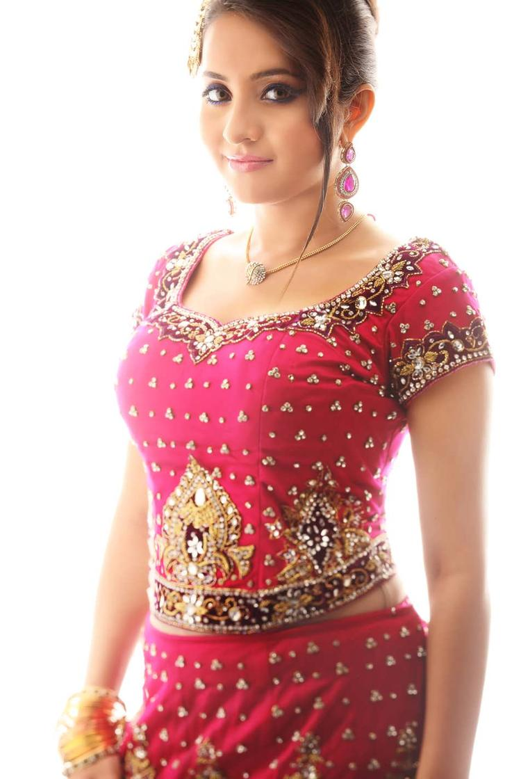 Bhama Looked Ravishing In A Red Ensemble