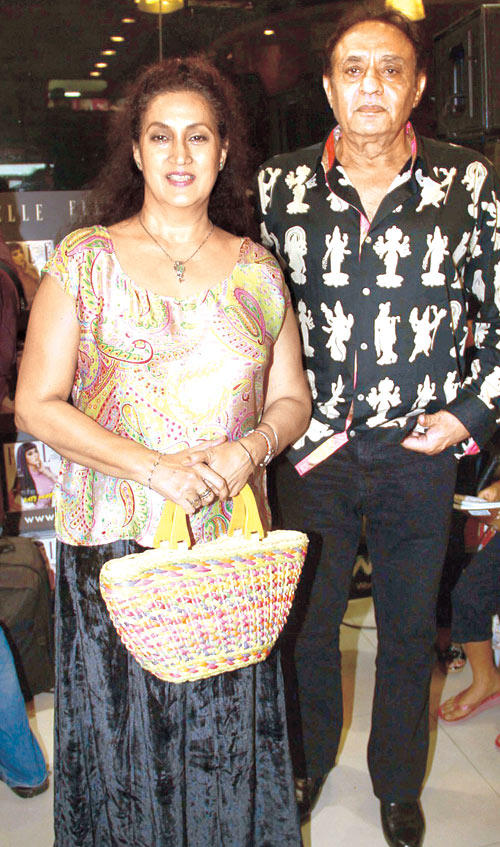 Actor Ranjeet With Wife Nazneen Spotted At The Launch Of Vinod Nair's Book