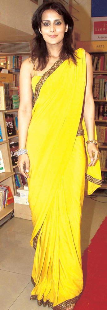 Tulip Joshi Looks Bright In Yellow Saree At The Launch Of Vinod Nair's Book