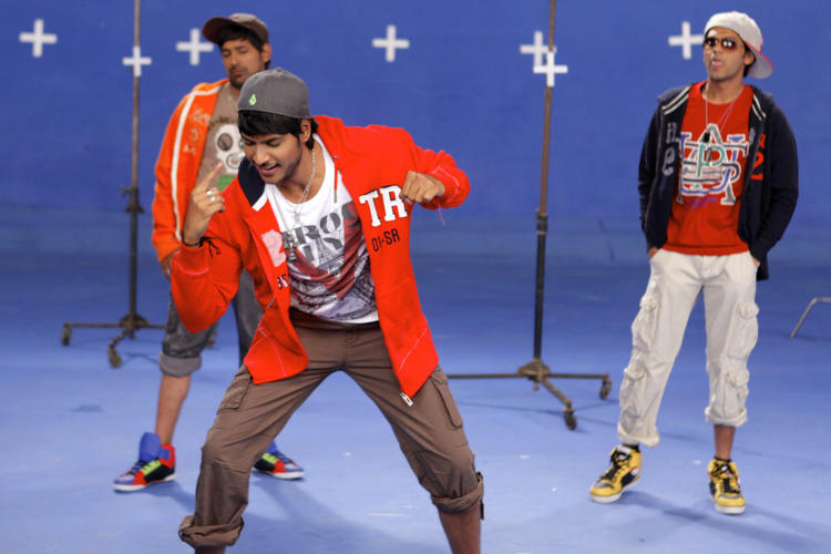 Sundeep And Rakesh Dancing Still From Movie D For Dopidi