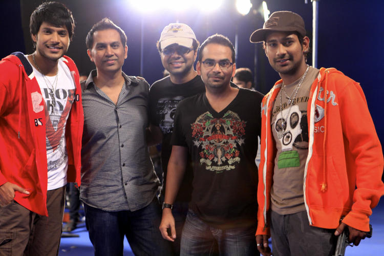 Varun And Sundeep With Team Members Posed For Camera On Movie Location