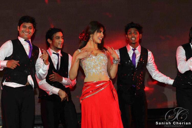 Priyanka Outstanding Performance At Ahlan Bollywood Concert 2012