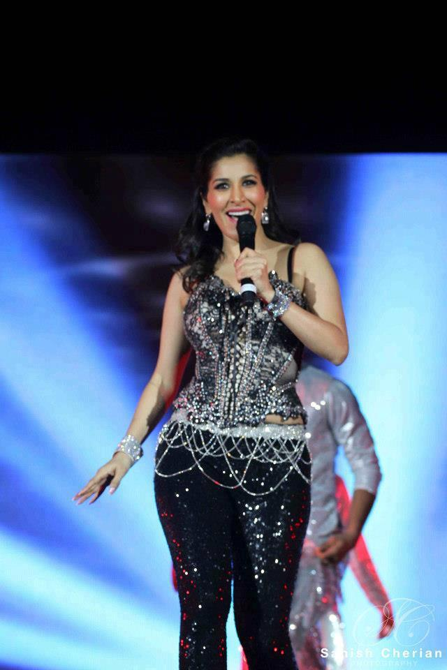 Sophie Speaks Out At Ahlan Bollywood Concert 2012