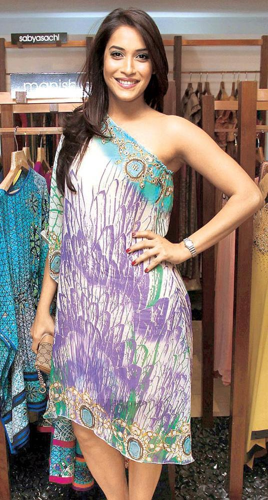 Rashmi Flashes A Smile At FUEL The Fashion Store Collection Launch