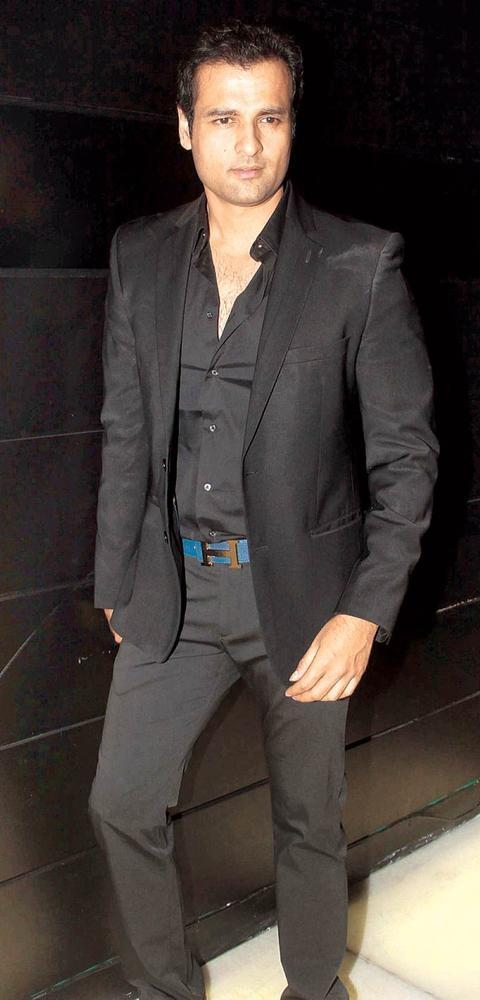 Rohit Roy Spotted At The Provogue Maxim Night Life Awards In F-Bar & Lounge
