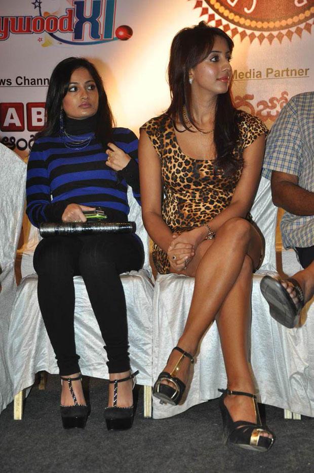 Madhavi And Sanjjanaa Snapped At Crescent Cricket Cup 2012 Press Meet