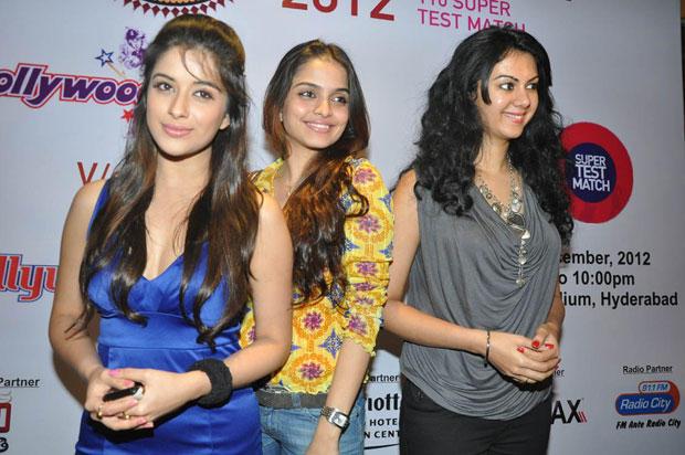 Madhurima,Sheena And Kamna Smiling Still At Crescent Cricket Cup 2012 Press Meet