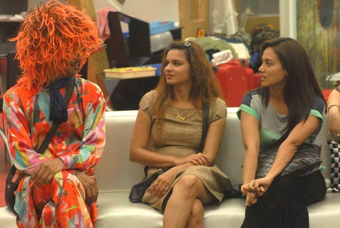 Imam,Aashka And Sana Snapped On Day 59 In Bigg Boss 6