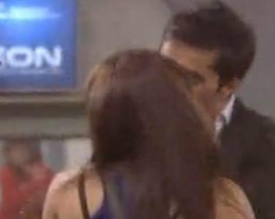 Vishal And Sana Kiss Photo On Day 59 In Bigg Boss 6