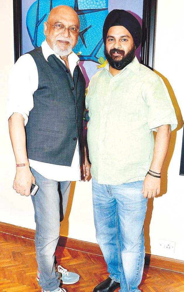Pritish Nandy And Manvinder Davar Snapped At An Art Evening In SoBo