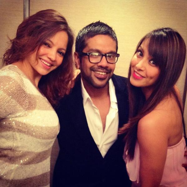 Bipasha With Rocky And Deanne Posed For Camera At Goa