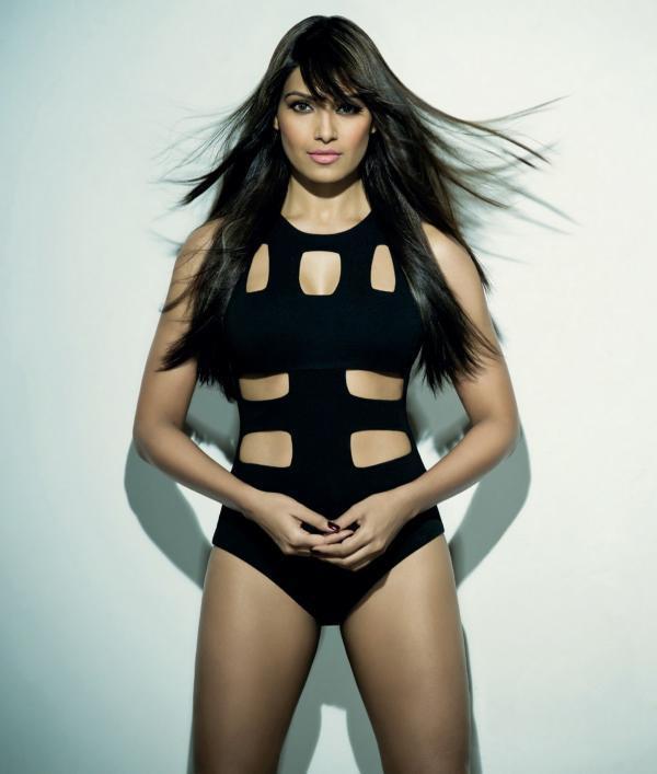 Bipasha Trendy Looking Sexy Photo Still For Maxim India December 2012