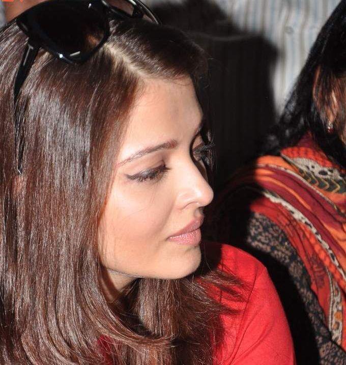 Aishwarya Rai During Promotion Of World Aids Day