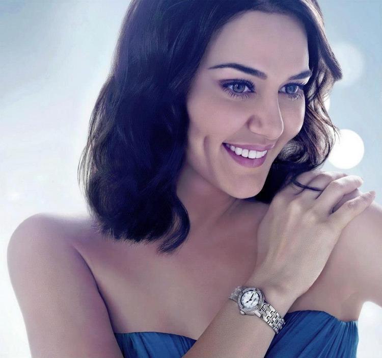 Preity Cute Smile Photo For Gitanjali Morellato Time Ad