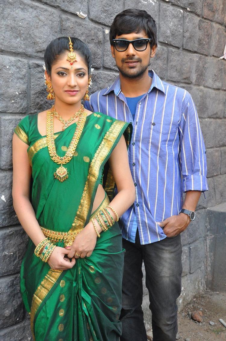 Haripriya And Varun Gorgeous Photo At Abbai Class Ammai Mass Movie Location