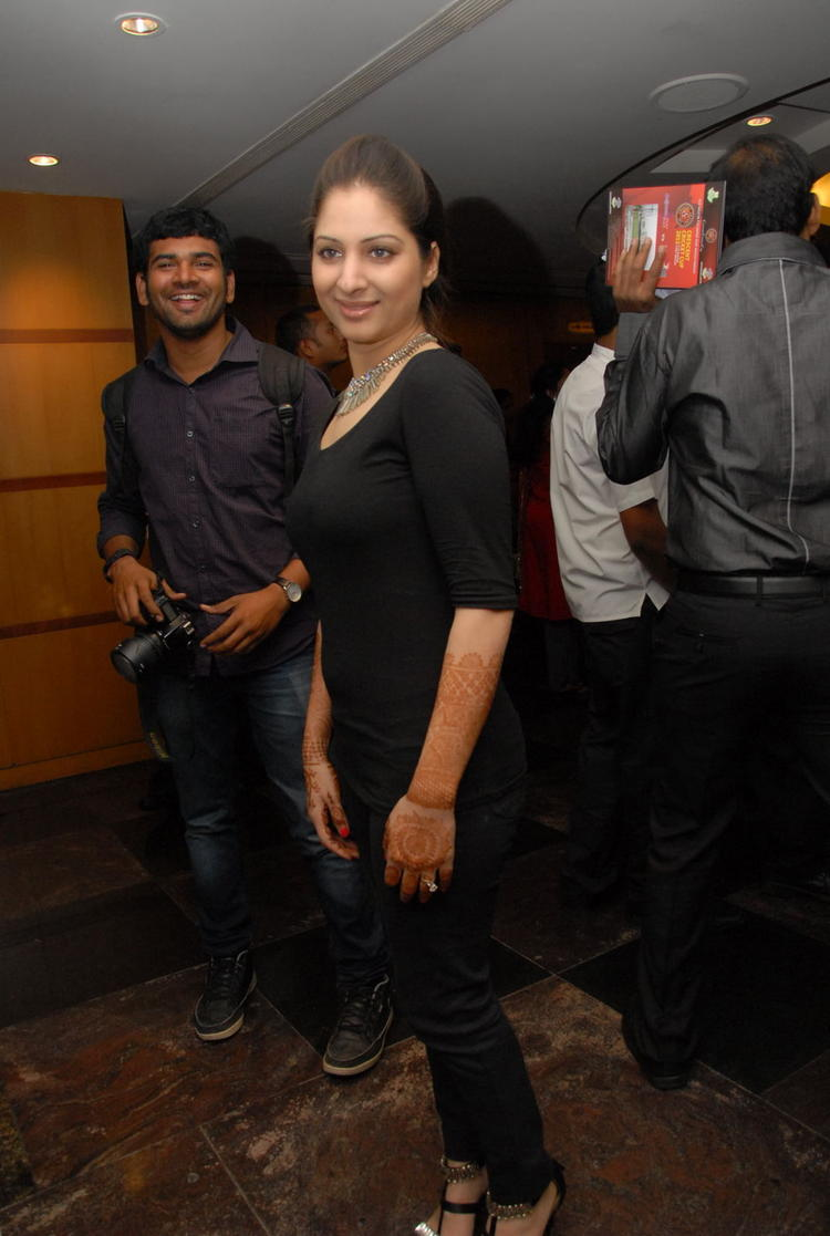 Gowri Snapped At Crescent Cricket Cup 2012 Curtain Raiser Event