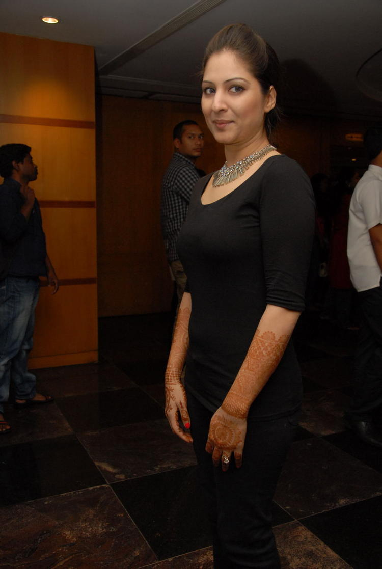 Gowri Spotted At Crescent Cricket Cup 2012 Curtain Raiser Event