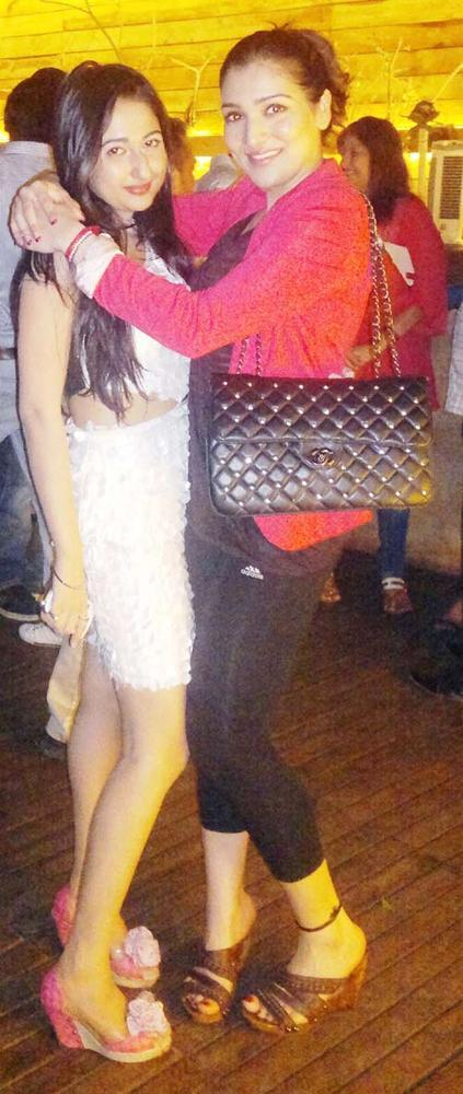 Narmada Posed With A Friend At Rinku Dudani Birthday Bash