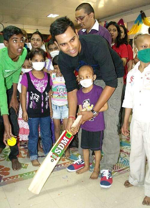 Rohit Sharma Enjoys With Kids At Tata Memorial Hospital