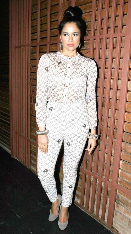Sameera Reddy Posed At Hi Blitz Magazine Party