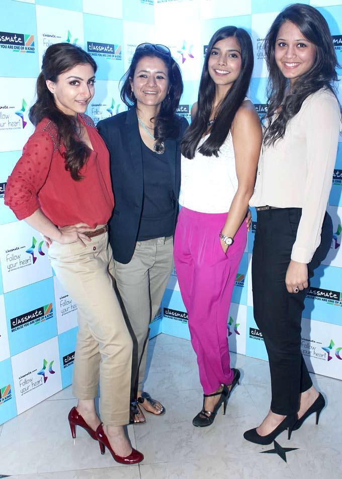 Soha,Juhi,Dipika And Mahrukh At The Live Session Of ITC Follow Your Heart