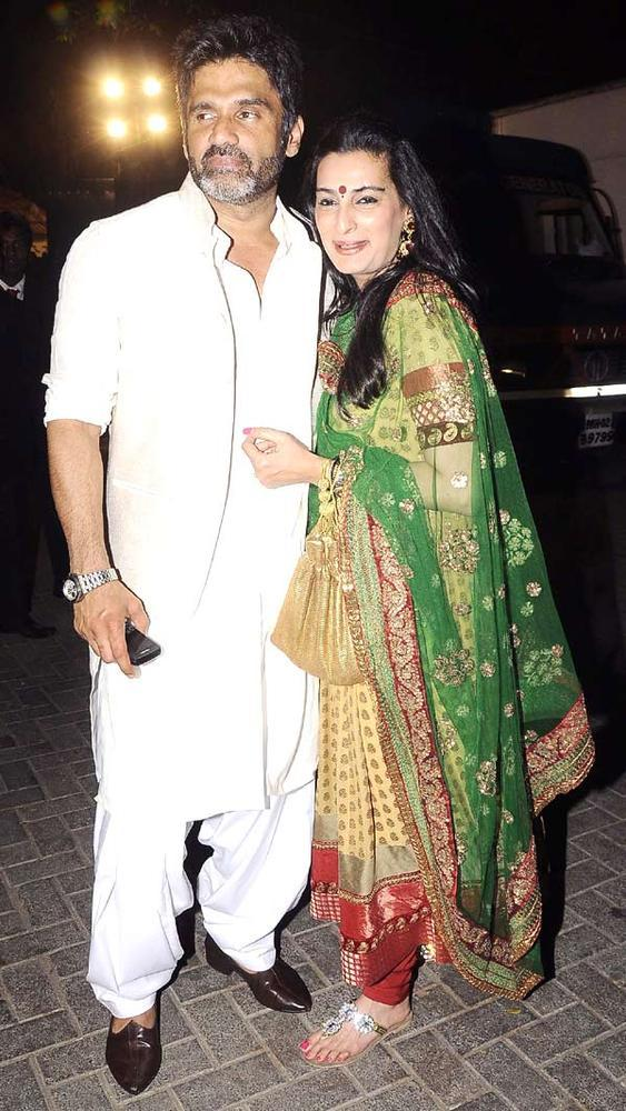 Suniel With Wife Mana At A Wedding