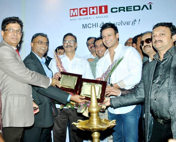 Vivek And Dad Suresh At A Property Expo In Navi Mumbai