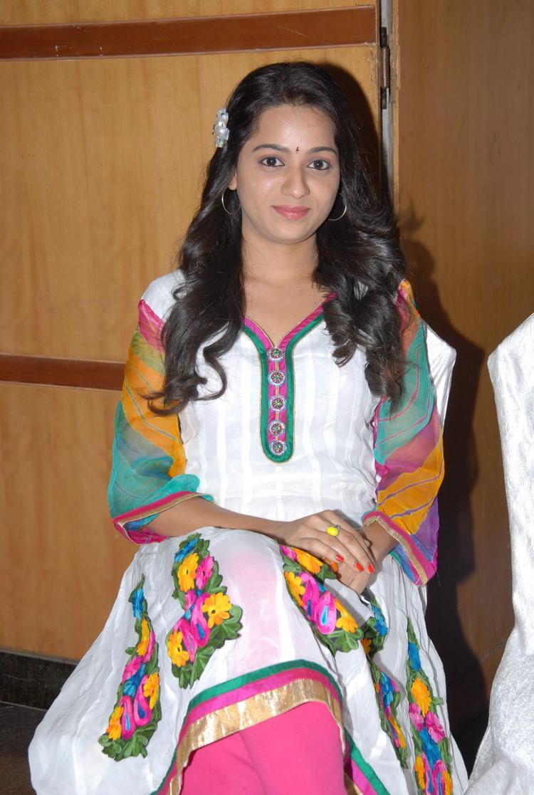 Reshma Posed For Camera At CCC 2012 Curtain Raiser Press Meet