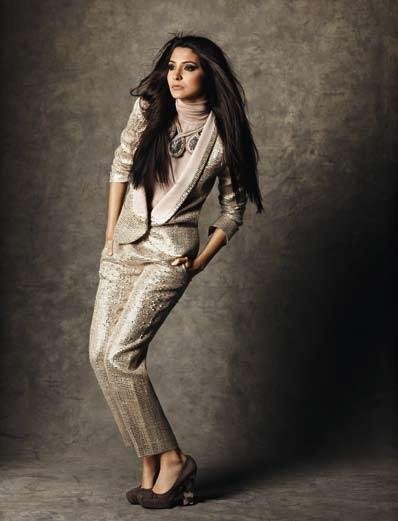 Anushka Dazzling Look Photo Still For Marie Claire India Dec 2012 Edition