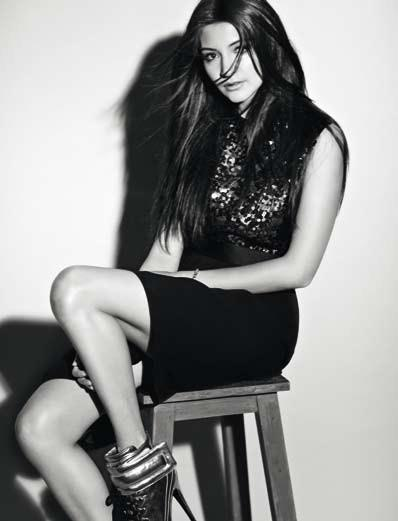 Anushka Sizzling And Dashing Photo Still For Marie Claire India Dec 2012 Edition