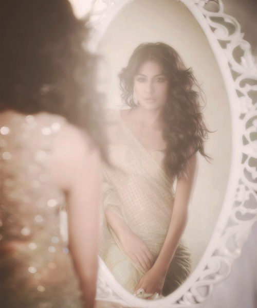 Chitrangada Looked Radiant And Beautiful Photo Still For  L Officiel India  Nov Issue