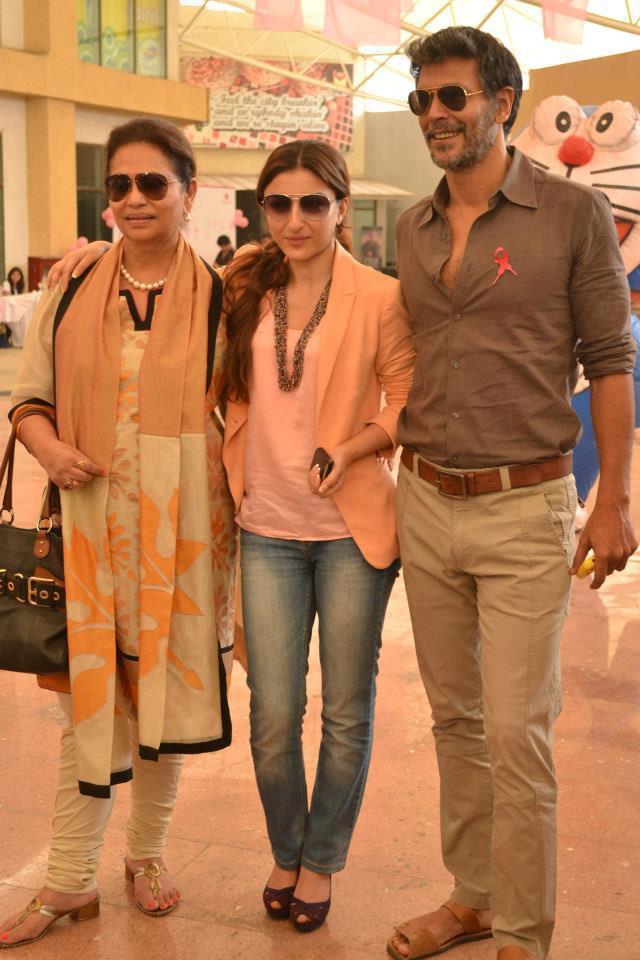 Deveika,Soha Ali And Milind Spotted At Pinkathon 2012 Meet Event