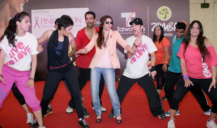 Soha Ali Dancing Photo At Pinkathon 2012 Meet Event