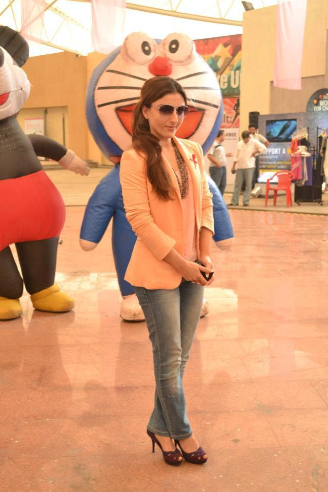 Soha Ali Khan Spotted At Pinkathon 2012 Meet Event