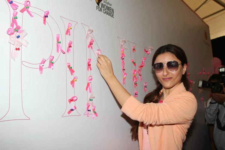 Soha Ali  Photo Clicked At Pinkathon 2012 Meet Event