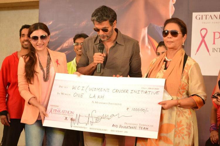 Soha Ali,Milind And Deveika Speak Out Photo At Pinkathon 2012 Meet Event