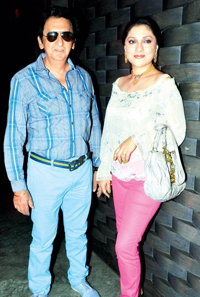 Arti With Hubby Kailash Make An Appearance At Priyanka Thakur Wedding Anniversary