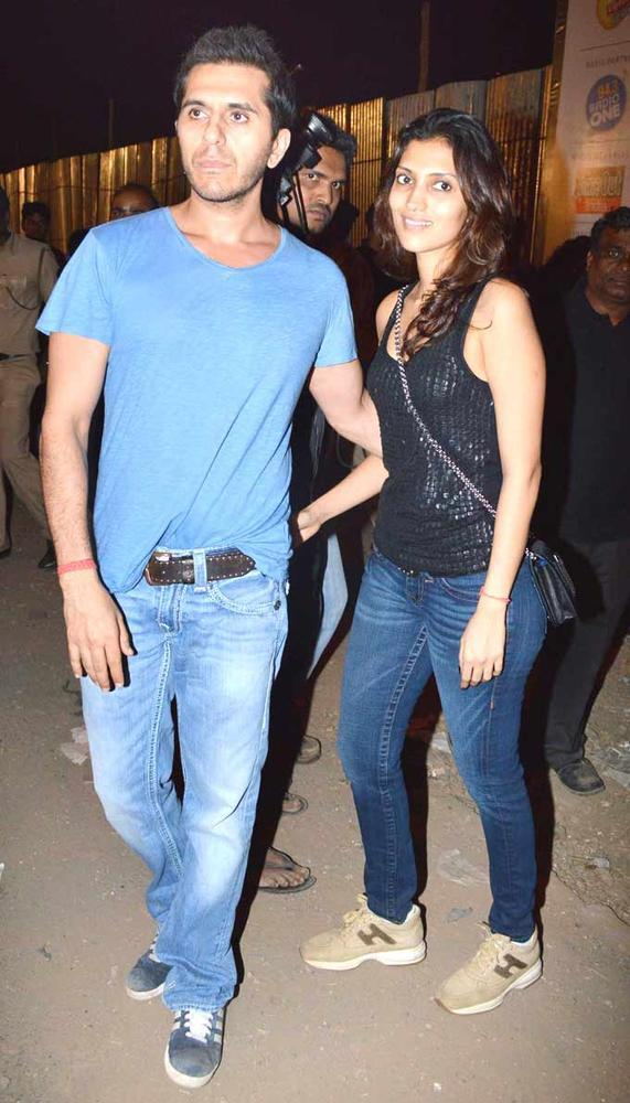 Ritesh With Wife Dolly Snapped At Guns N Roses Concert