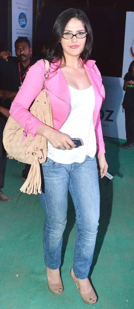Zarine Khan Glamour Look At Guns N Roses Concert
