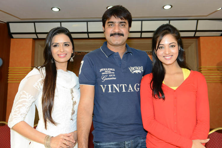 Meenakshi,Srikanth And Vidisha Posed For Camera At Devaraya Movie Success Meet