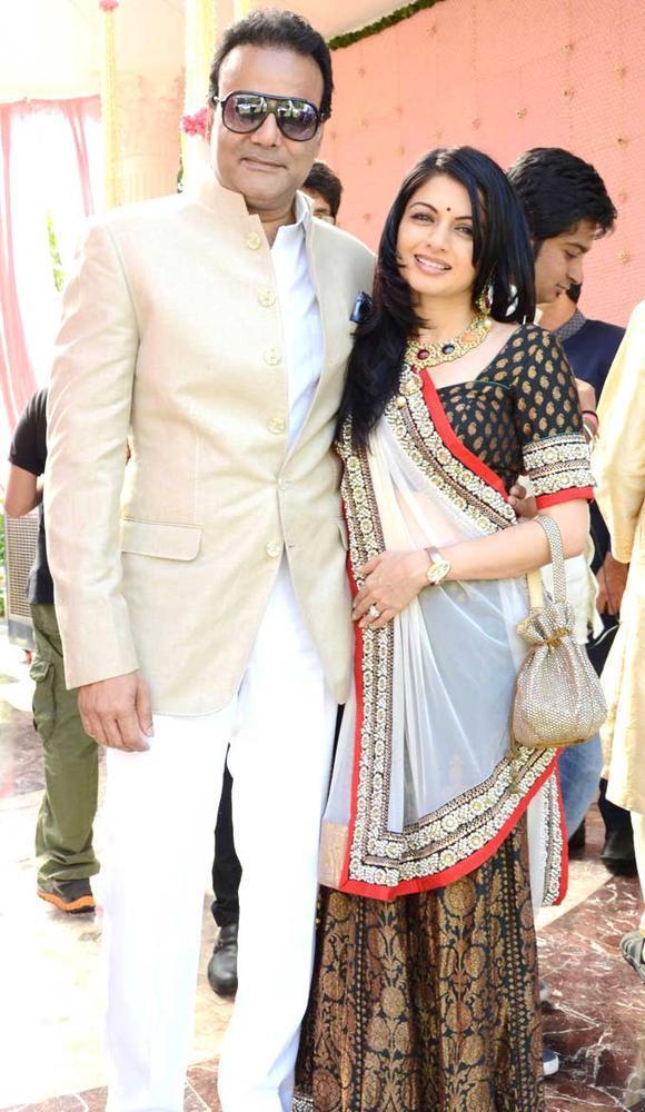 Bhagyashree With Hubby Himalaya Posed For Photo During Swapnali Bhosale And Vishwajeet Wedding