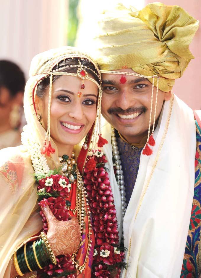 The Bride Swapnali Bhosale And Groom Vishwajeet Kadam Posed For Camera During Their Marriage