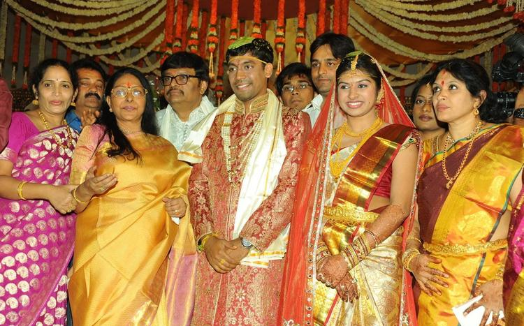 Sharada Photo Clicked With Groom And Bride At Wedding Ceremony